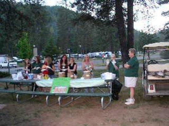 Yosemite Lakes RV Resort: Ice Cream Social