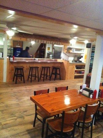 Tami Lynn's Restaurant: New Bar to Eat on