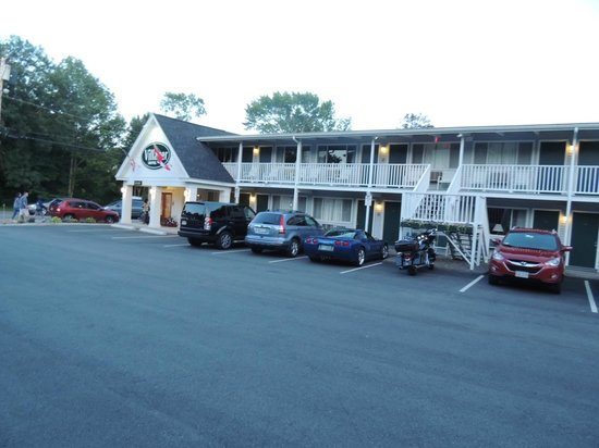 Bar Harbor Villager Motel: Office area