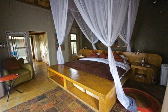 Vuyatela Lodge & Galago Camp: Bedroom (Chalet 4)