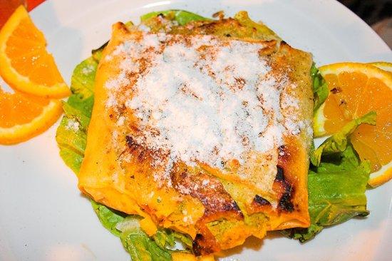Pastilla traditional dish picture of aladdin restaurant for Aladdin cuisine stoke