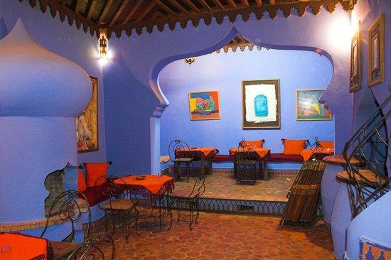 Aladdin Restaurant: entracne room, ground floor