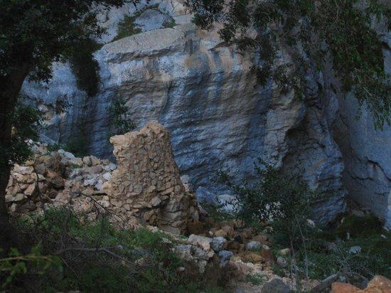 Sardegna-Ambiente Escursioni Day Hikes: All'interno della Dolina di Tiscali