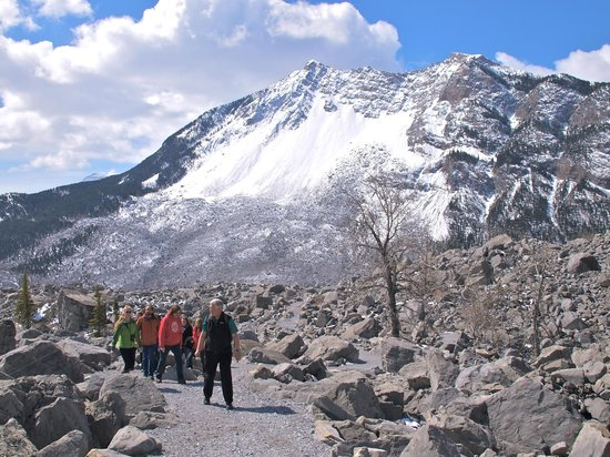 Frank Slide Interpretive Centre: Frank Slide Trail