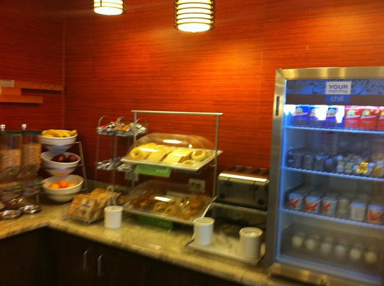 Comfort Suites Natchitoches: Breakfast offerings