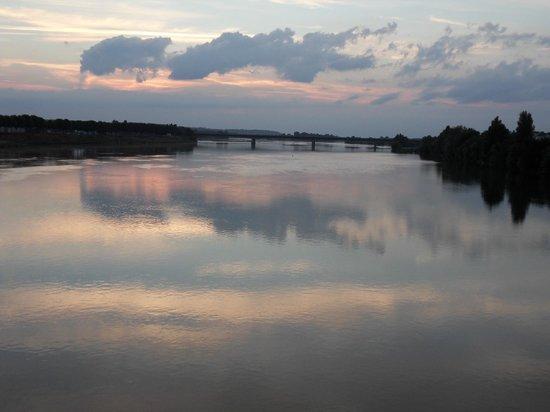 Mercure Bords de Loire Saumur : River Loire