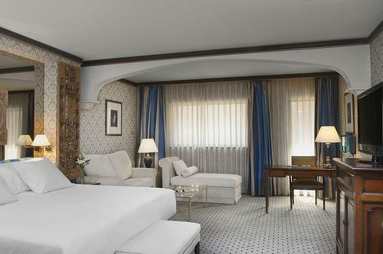 Melia Zaragoza: Junior suite