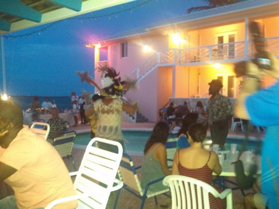 Club Peace & Plenty Exuma Island: Bahamian BBQ with live music and dancing