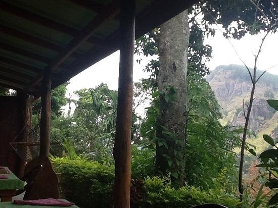 Raveena Guest House: A perfect view on Ella rock!