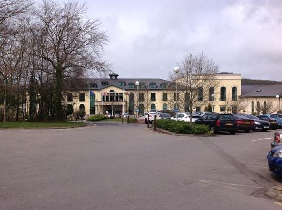 Vale Resort: front of hotel.