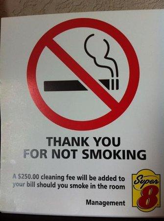 Super 8 Airdrie AB: no smoking