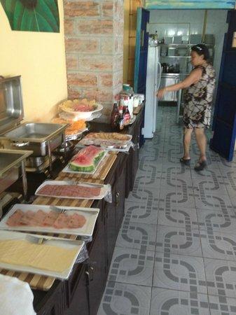 Kaikoesi Apartments : ontbijt, elke ochtend een feestje