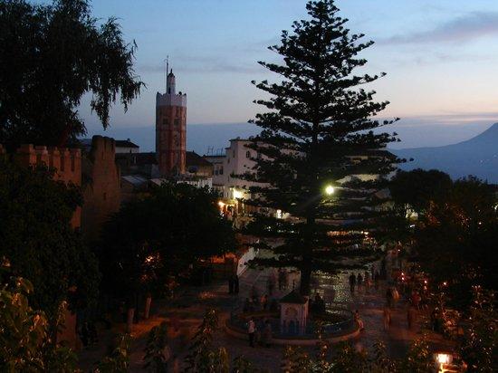 La Lampe Magique : view over the square