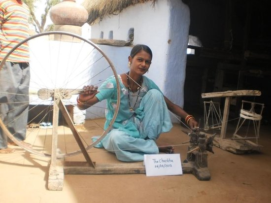 hand spinning artisan - Picture of The Charkha, Bikaner