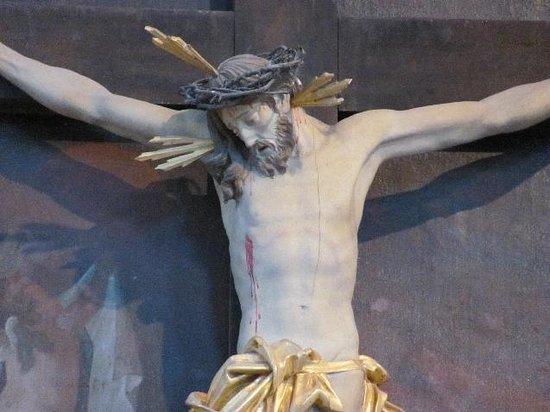 Franziskanerkirche: detail of a beautifull altar