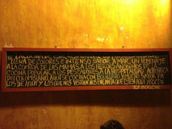 El Boliche Cebicheria: Cartel de la puerta 1