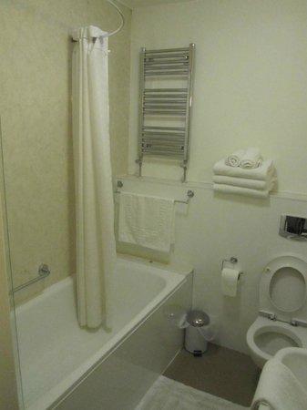 Warkworth House : Baño