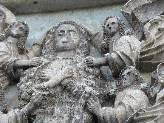 "Michaelskirche: limestone relief ""Maria Aegyptiacus"""
