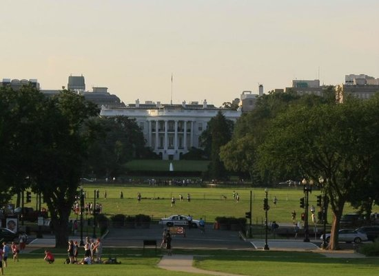 DC by Foot: View of the White House from Washington Monument