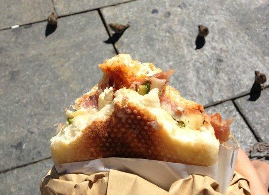 """Master Sandwich: Il """"magnifico"""" (e, sullo sfondo, tanti piccoli amici che avrebbero voluto provarlo!)"""