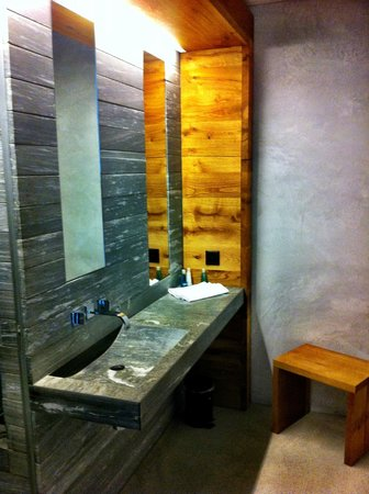 Rocksresort : bathroom