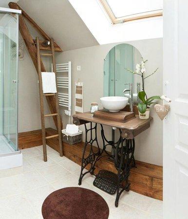 Chambres d'Hotes Le Secret de la Conte: Salle de bain - Suite Campagne