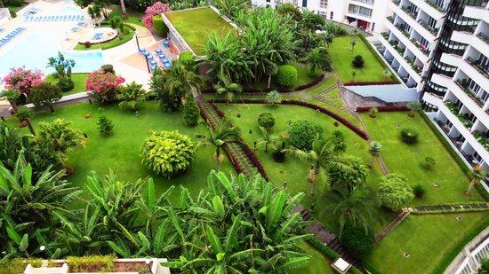 The Jardins d'Ajuda Suite Hotel: Hotel's Garden