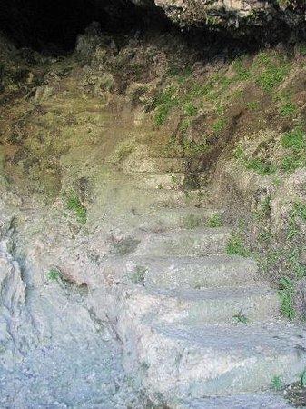 St. Nikolaus Kapelle: stairs