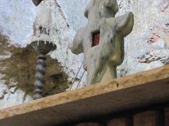 Monolithic Church: altar detail