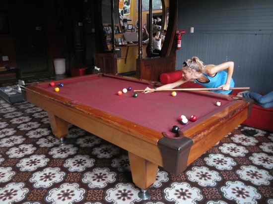 Aldea San Jose: Playing a little game of pool