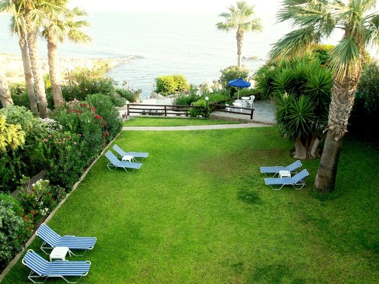 Rododafni Beach Holiday Apartments & Villas: θέα θαλάσσης