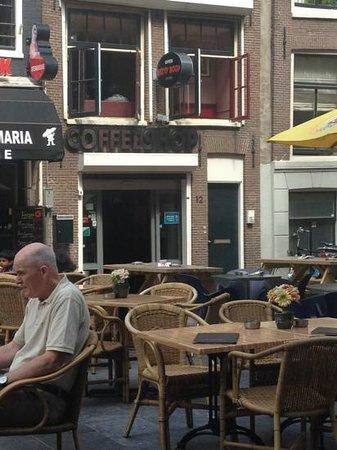 Betty Boop Coffeeshop: outside