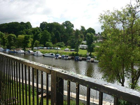 The Lenchford Inn: Paint job needed