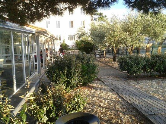 Inter-Hotel de la Plage : terrasse du restaurant