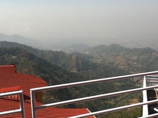 Birds View Kasauli: beautiful view from Birds View Resort