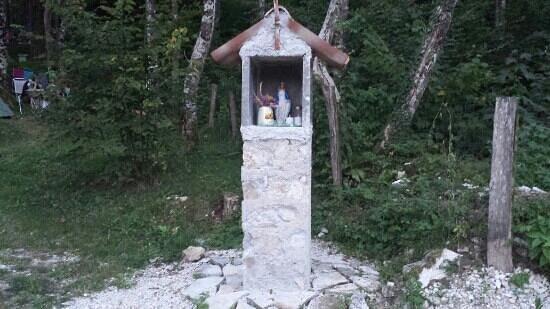 Kamp Rut d.o.o.: Little chapel.