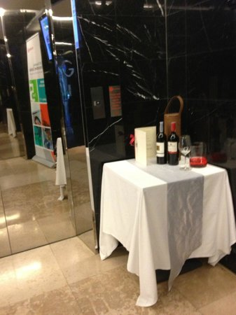 S31 Sukhumvit Hotel: hotel entrance by the elevator