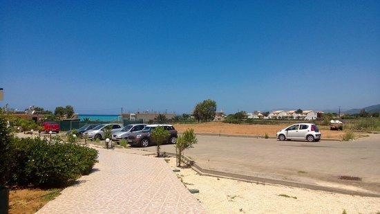 Messina Resort Hotel : Парковка
