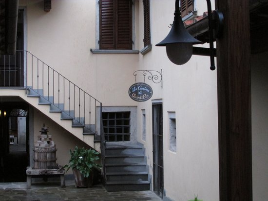 Corte dell'Oca: Courtyard to our room