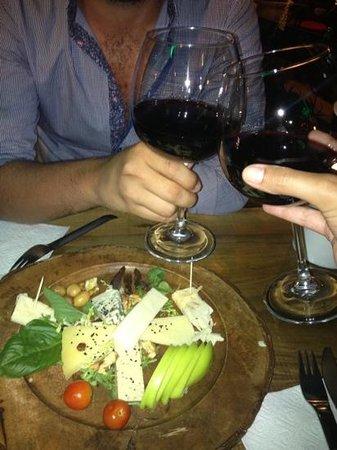 Winehouse Kas: peynir tabagi