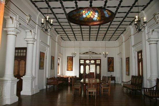 The Mansion: Upper landing