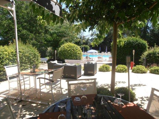 ibis cavaillon luberon hotel france voir les tarifs 221 avis et 78 photos. Black Bedroom Furniture Sets. Home Design Ideas