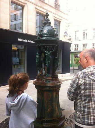 Eye Prefer Paris Tours : water fountain