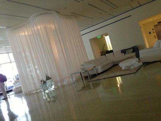 Shore Club South Beach Hotel: The Lobby