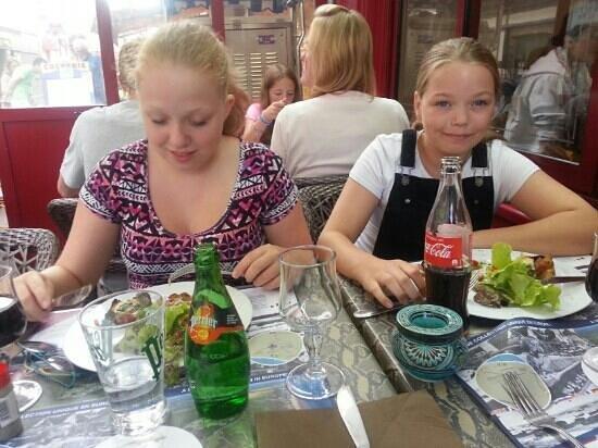 Restaurant Le Drakkar: Dinner with the family.