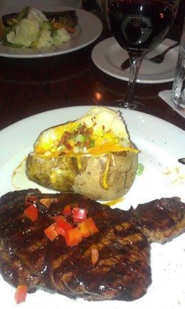 Firegrill Restaurant & Bar: Cajun steak :)