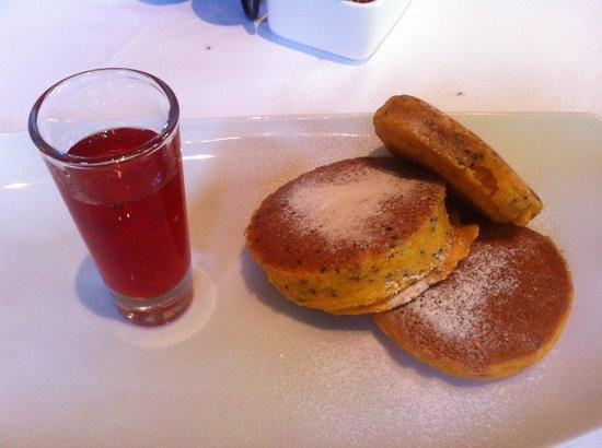Tambo del Inka, a Luxury Collection Resort & Spa: Quinoa pancakes - best in Peru!