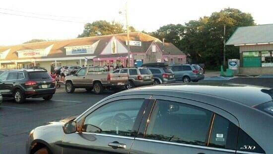 Polar Cave Ice Cream Parlour : west yarmouth ma location