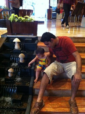 Fariyas Resort Lonavala: Lobby Area