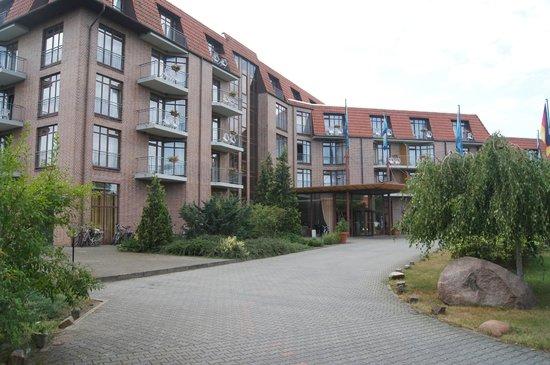 Spreewald Parkhotel: Widok na Hotel z parkingu